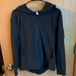 Black Lululemon Sweatshirt
